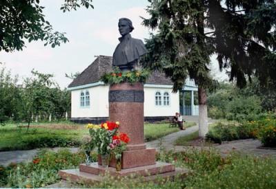 Чи зупиняться посягання на музей Лесі Українки в Колодяжному?